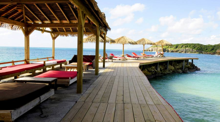 Il pontile della spiaggia privata