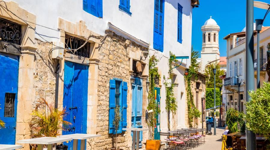 strada nel centro storico di Limassol