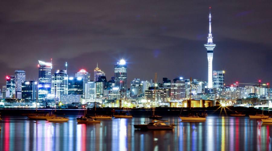 Cita di Auckland di notte