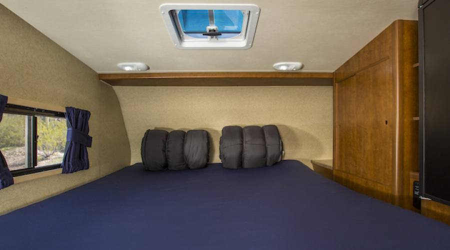 T17 double bed