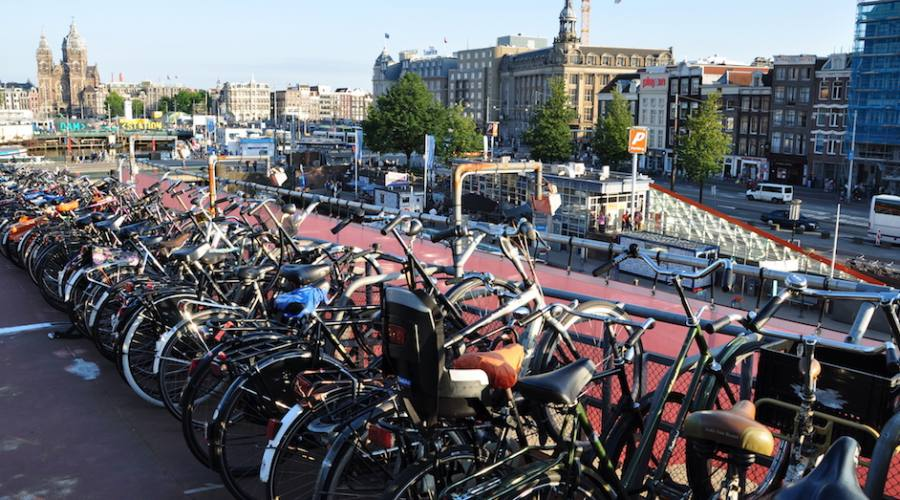Amsterdam, bici garage