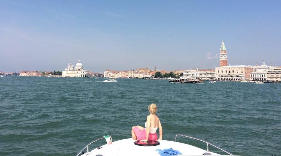 venezia in houseboat
