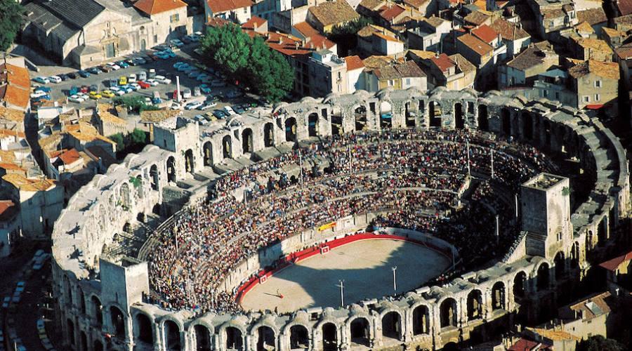 Arles vista aerea