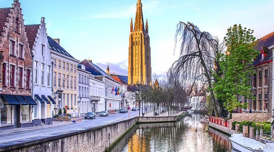 La chiesa di Nostra Signora Bruges