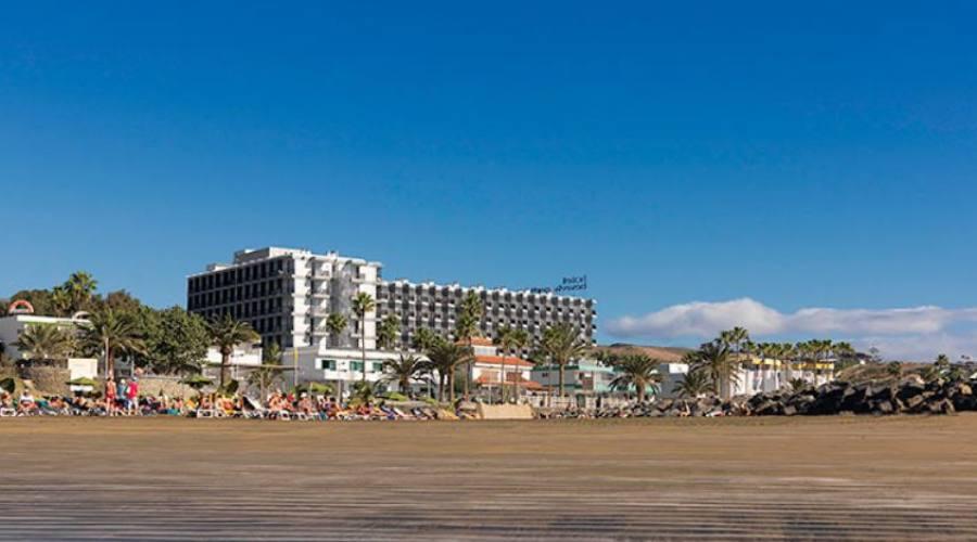 struttura e spiaggia