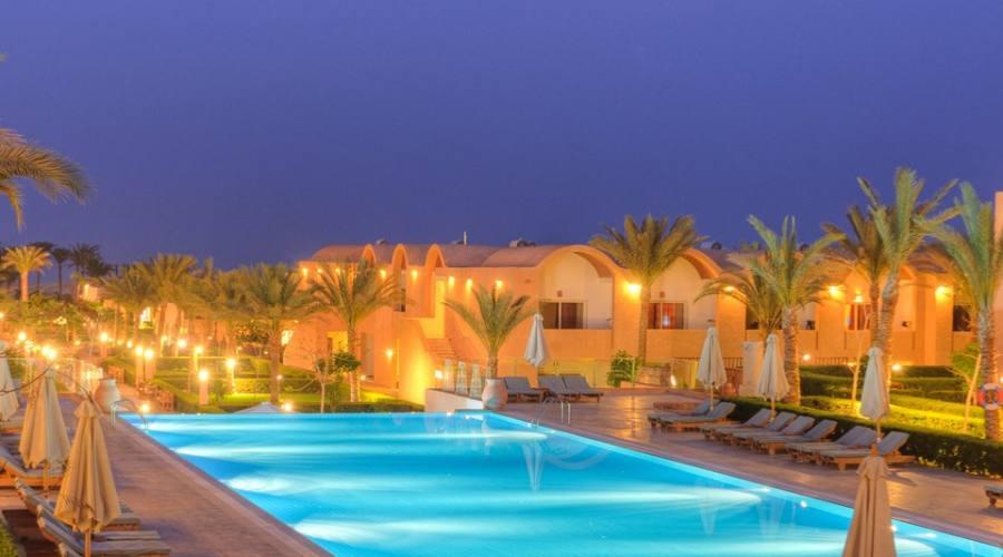 Gemma Beach Resort area piscina