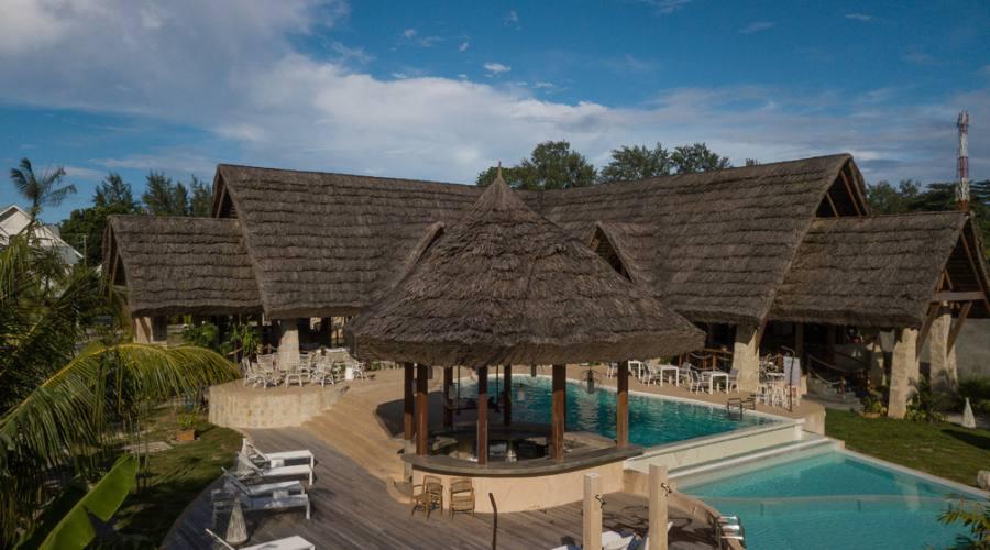 Il ristorante e piscina