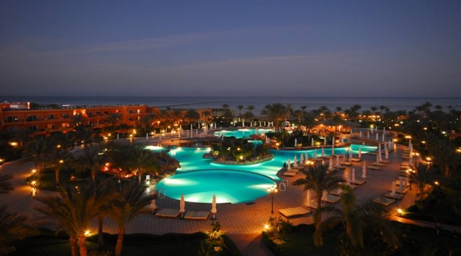 Hotel amwaj oyoun resort spa 5 stelle for Design hotel 5 stelle