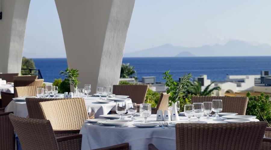 Il ristorante vista mare...