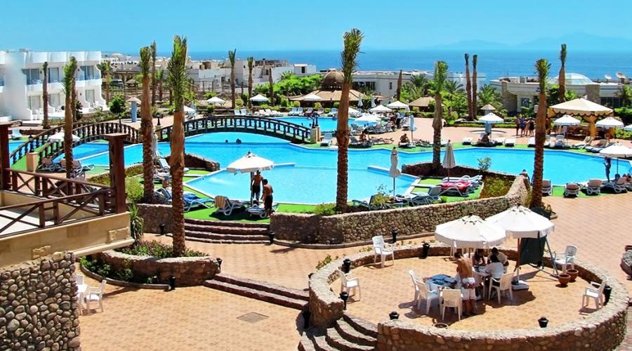 piscina vista mare