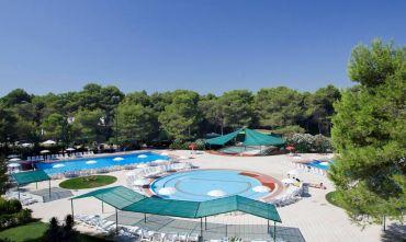Club Village 3 stelle a 350 mt dal mare