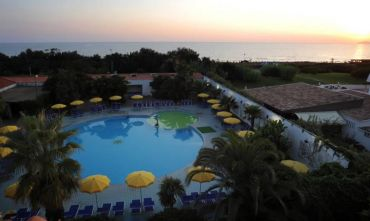 Hotel Club 4 stelle fronte mare