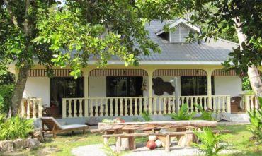 Bungalow de Roches - Guesthouse