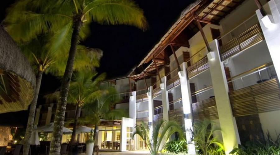 Uno sguardo all'hotel dal giardino