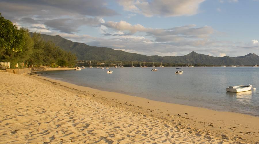 La spiaggia e il panorama