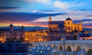 Capodanno 2022: Tour di gruppo dalla capitale all'Andalusia