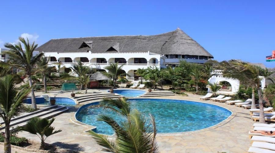 piscina e spazi comuni