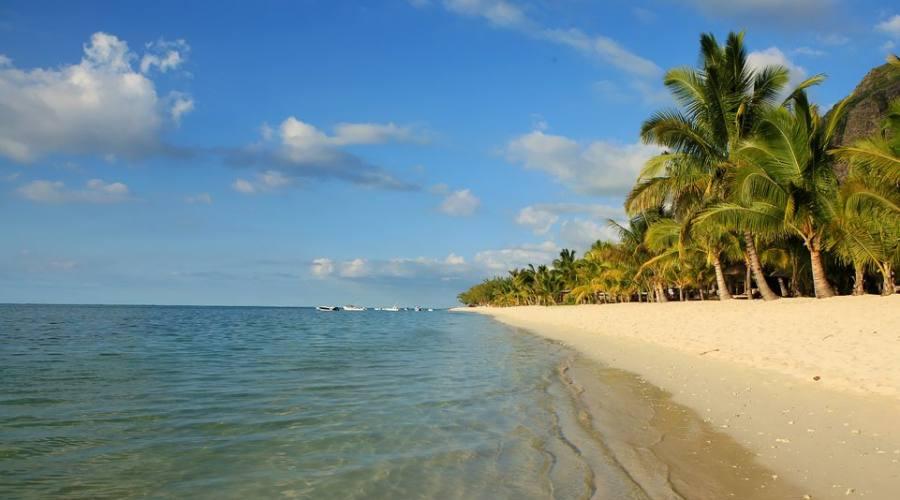 Una delle spiagge di Le Morne