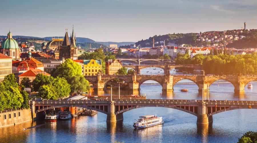 Praga, sulla Moldava