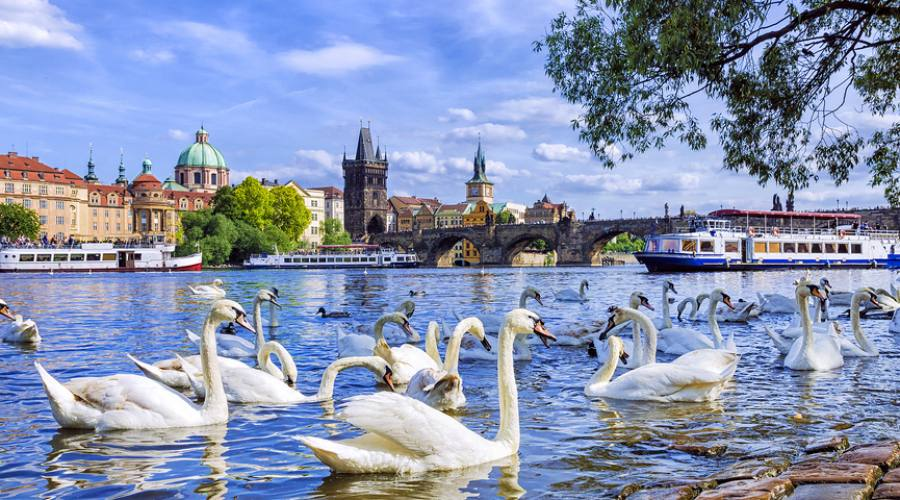 Praga, primavera sulla Moldava