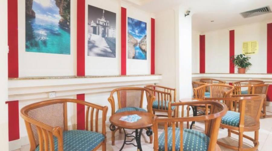 Topaz Hotel: Hall