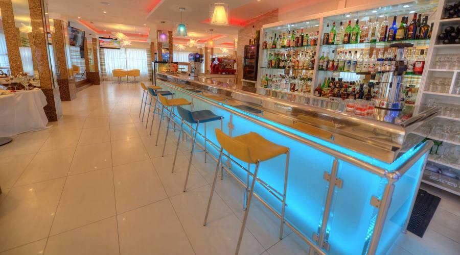 Alexandra Palace: Bar