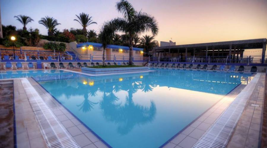 Mellieha Bay Hotel: Piscina By Night