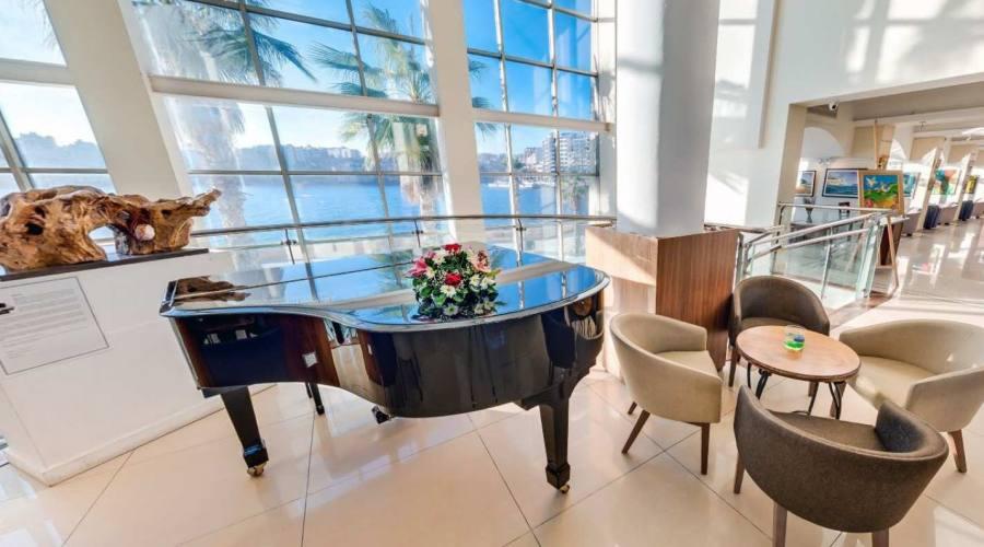 Hotel Cavalieri: Hall