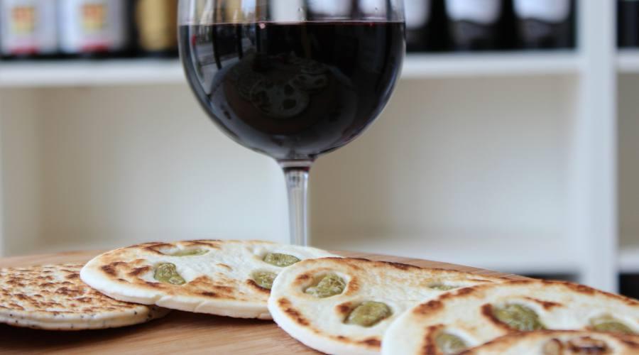 La piadina e del buon vino