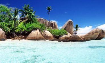 Island hopping Seychelles: La Digue&Praslin in Guesthouse