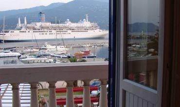 Hotel Bellevue (2 stelle) sul porto