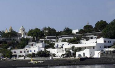 Hotel 4 stelle direttamente sul mare in una posizione straordinaria.
