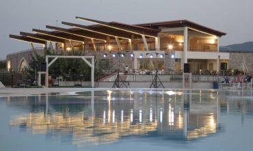 Nuovissimo Resort 4 stelle in uno scenario naturale