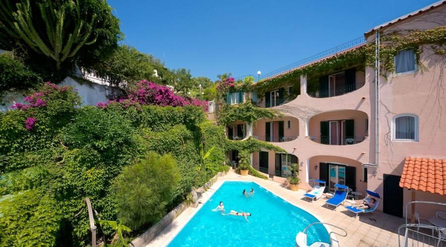 Esterno Hotel e piscina