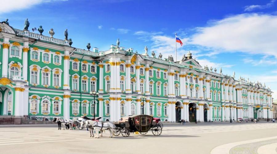 San Pietroburgo piazza del Palazzo d'inverno
