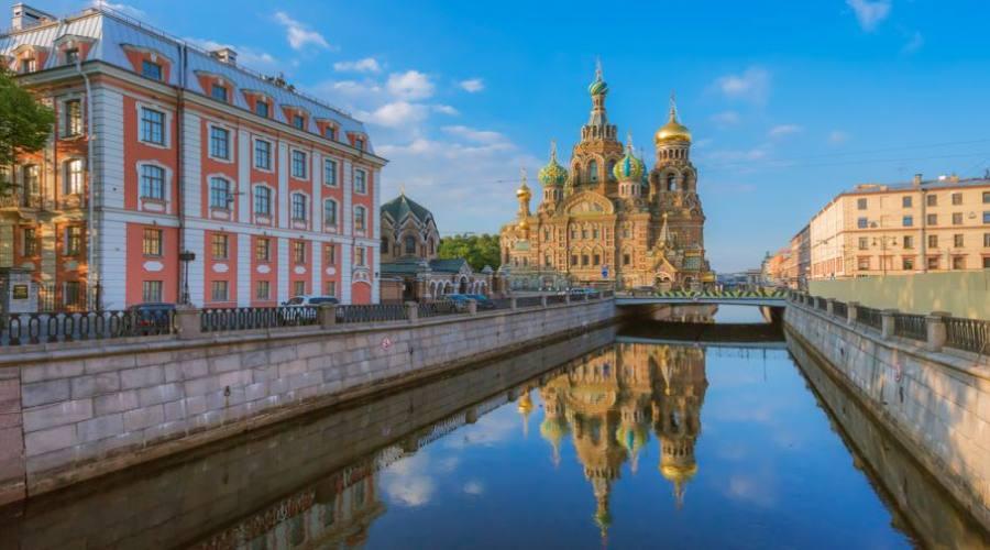 San Pietroburgo canale e Chiesa del Salvatore sul Sangue Versato