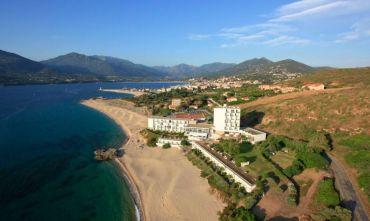 Hotel 3 stelle sulla spiaggia bianca