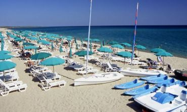 Complesso Marina Resort con nave inclusa