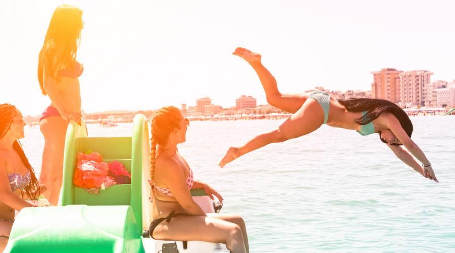 Bel divertimento in mare...