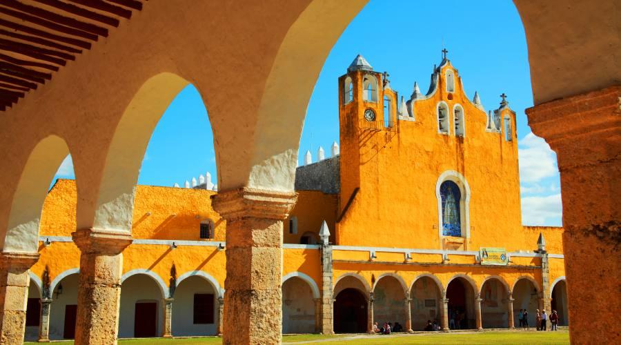 8° giorno: Convento di Izamal, Yucatan