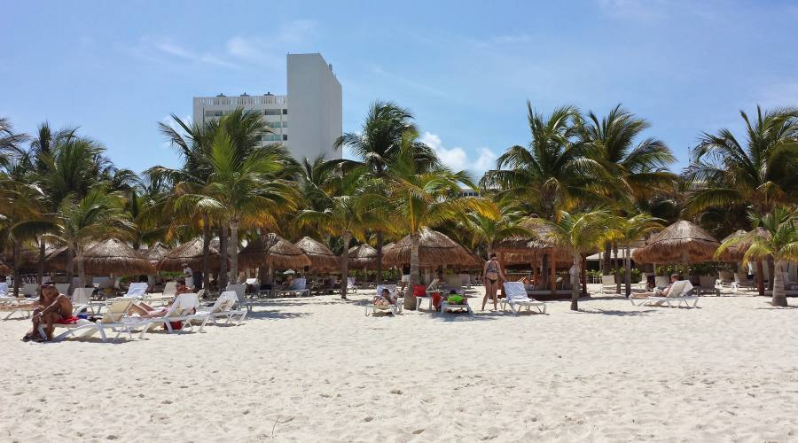 sistemazione all'hotel Intercontinental Cancun o similare