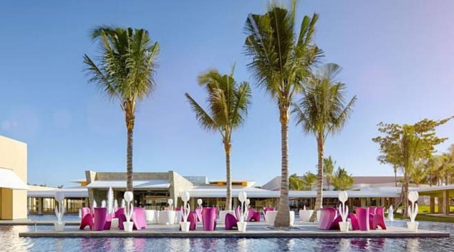 Barcelò Maya Beach: Lobby Bar