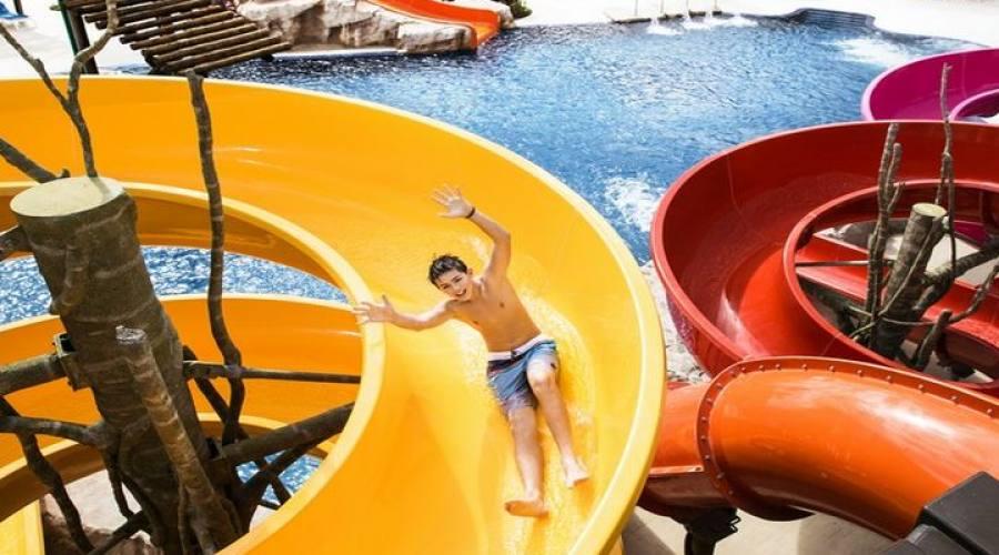 "Barcelò Maya Beach: Parco Acquatico ""Pirates Island"""