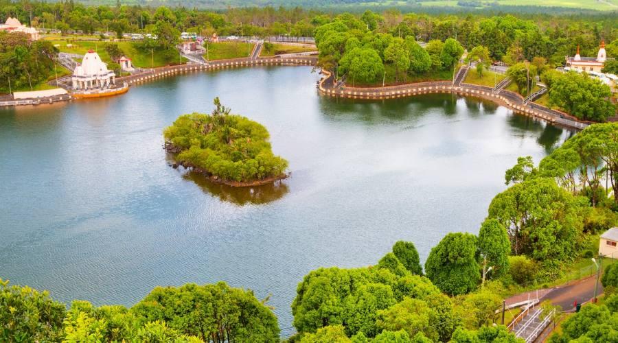 Il lago Grand Bassin