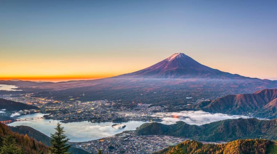 Monte Fuji sul lago Kawaguchi