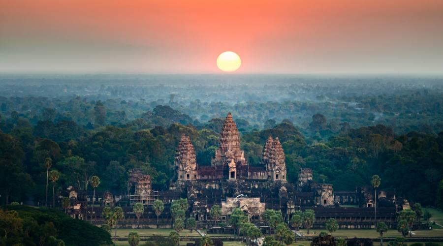 Vista aerea su Angkor Wat