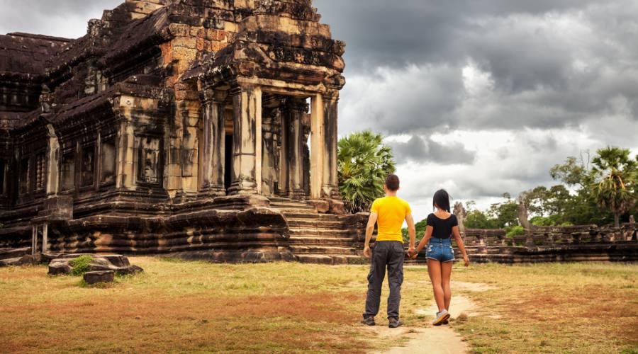 In silenzio ammirando Angkor Wat
