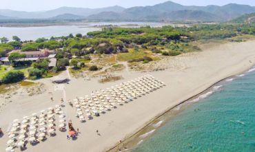 La tua vacanza All Inclusive su una fantastica spiaggia bianca...