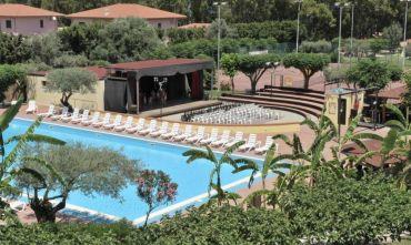 Villaggio turistico in uno dei tratti più incantevoli della Costa Ionica