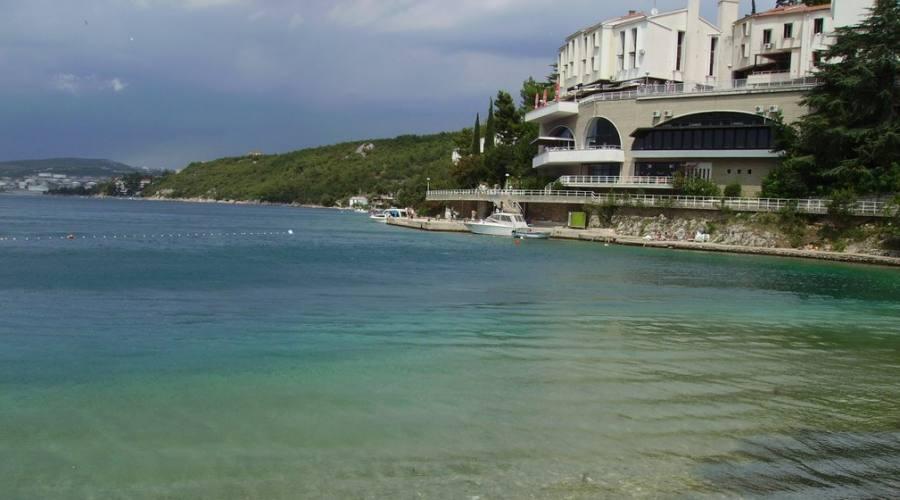 Soggiorno in hotel 2 stelle direttamente sul mare in for Soggiorno in croazia